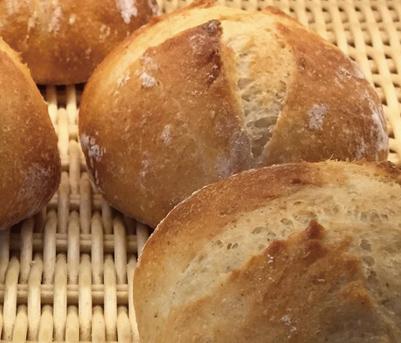 天然酵母丸パン みさとのパン工房SAKURA